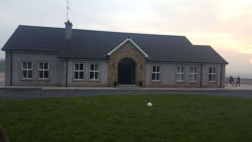 Knockmany House (Omagh 9 miles Clogher 4 miles)