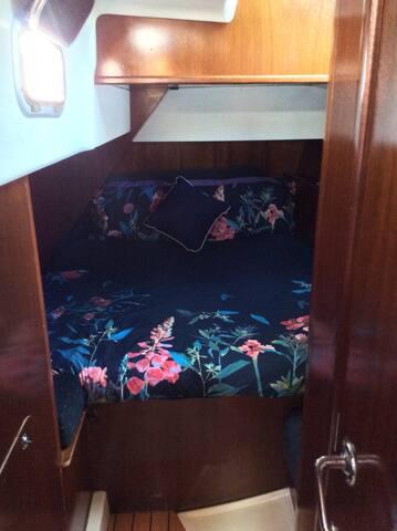 Cabin 1 Yacht accomodation