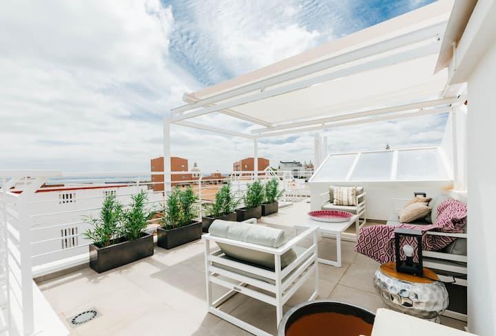 SPECTACULAR NEW  Graça Riverview Terrace Apartment