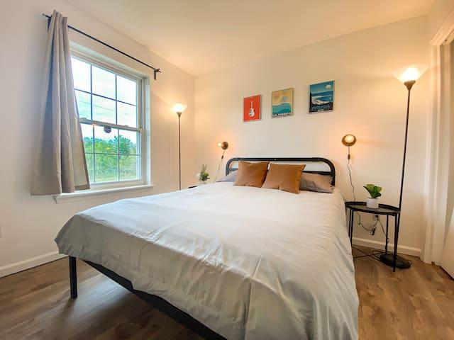 Bedroom 2 (on upper level)