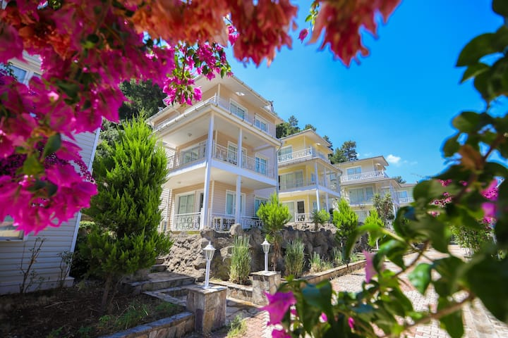 Pine Villas İcmeler Marmaris