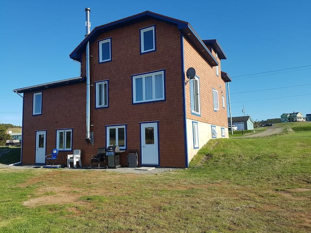 Bel appartement neuf bien situé sur l'Île centrale