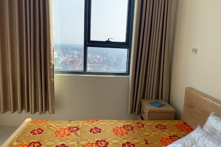 A clean, comfy apartment with beautiful view