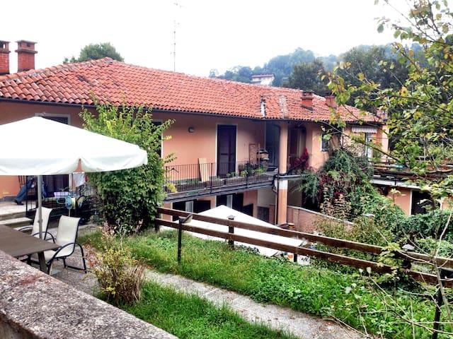 Accogliente grande casale nel bosco di Torino - Turín - Casa