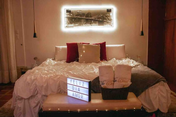 Beautiful, Comfy, Magical Loft Ideal For Couples