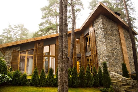 The Lake House - Relax Your Mind, Body & Soul!
