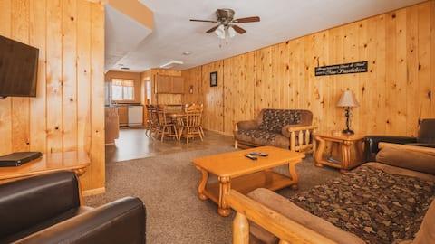 Rustic Rush Lake Condo- Shady Grove Resort Unit 17