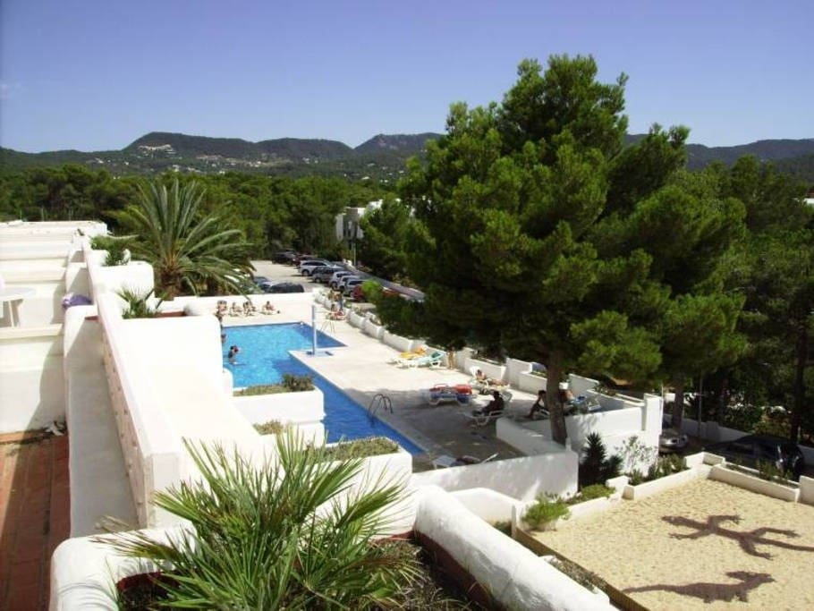 Cala tarida ibiza sunset beach wohnungen zur miete in for Piscines illes