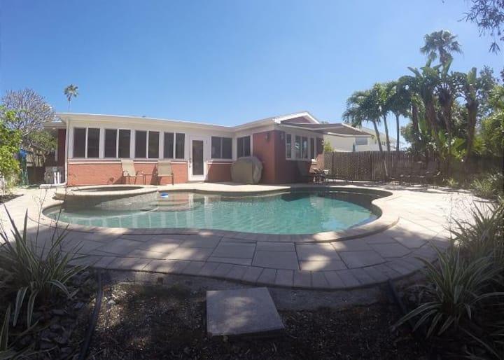 Toucan Paradise Pool home by Beachhousefl