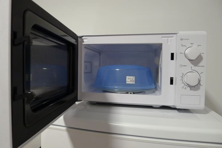 Microondas y protector alimentos | Microwave and food protector