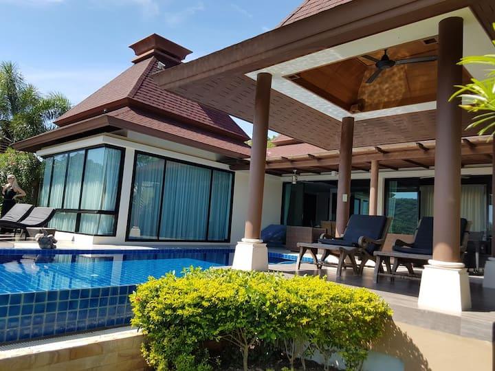 Beautiful Balinese Pool Villa With Panoramic Views