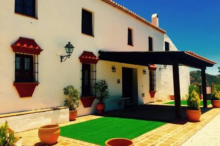 Exclusive CortijoMolino de Bernabé - Málaga  - Villa