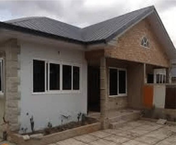 ITS IN THE HEART OF DANSOMAN THE BIGGEST ESTATE. - Accra - Appartement