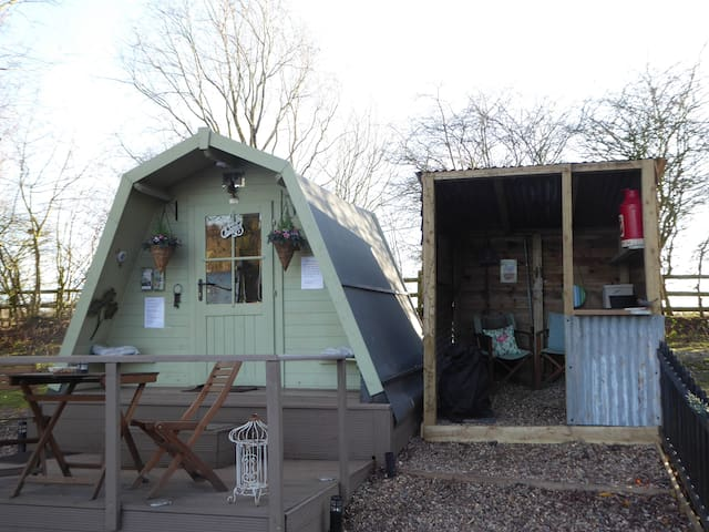 The Hideaway Pod Lakeland Fishery
