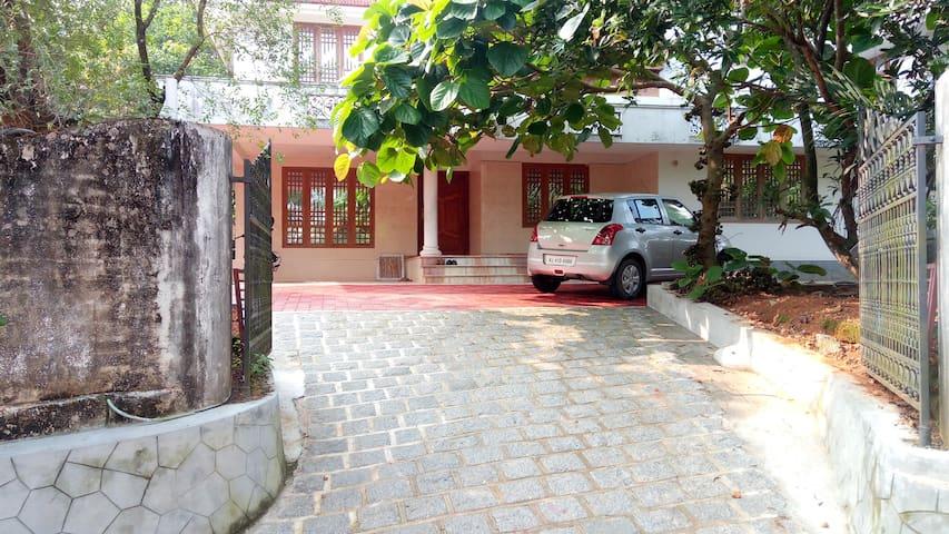 3BHK spacious house Infopark, Kakkanad,RefinaryCRL