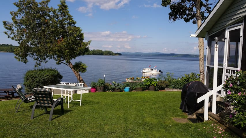 Gorgeous Lake Champlain & Mountain Views