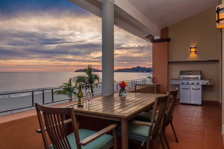 Penthouse w/ Ocean Views <13 Mi to Cabo San Lucas!