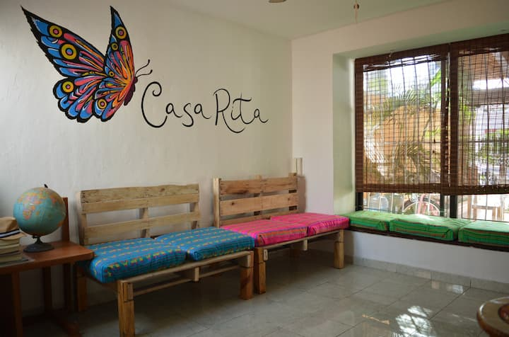Casa Rita - Perfect location - Pool / Room Colibrí