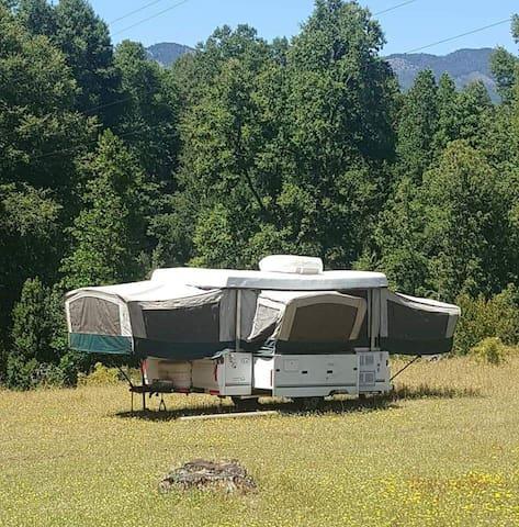 Camper Melipeuco, Parque Conguillio.  Para 4 pers.