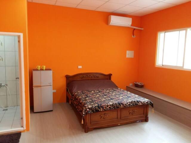 32qm clean room near train station - 中區 - Apartment