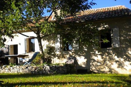 LA CACHETTE - GITE im DIOIS/DROME PROVENCALE - Saint-Dizier-en-Diois - Talo
