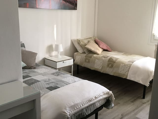 Camera da letto con possibilità di unire i letti