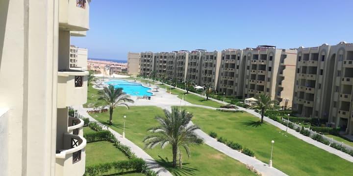 شاليه 3 غرف مكيف بالكامل ستلا هايس الساحل الشمالي