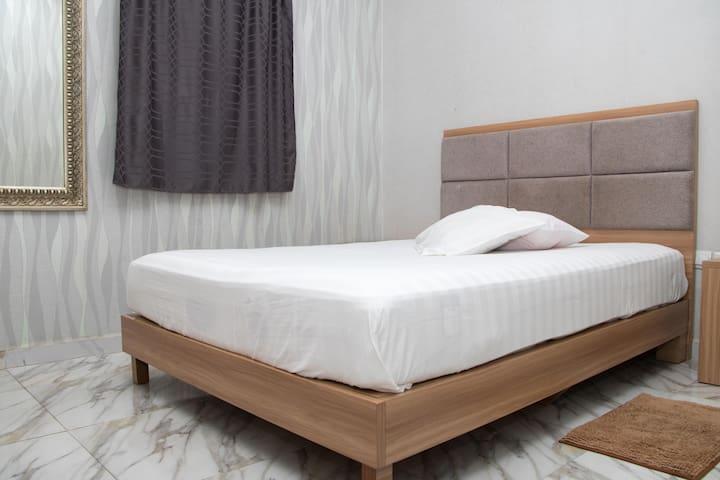 Private room- camama