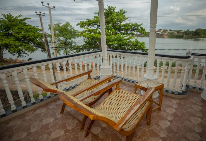 Neverbeen to Lagoon Town (Lagoon view-apartment)