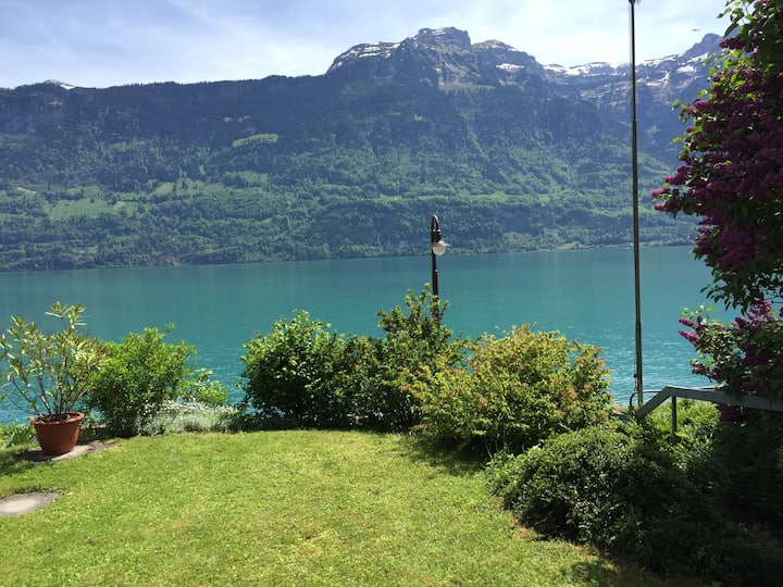 calm holidays/view to lake & mountains/ Interlaken
