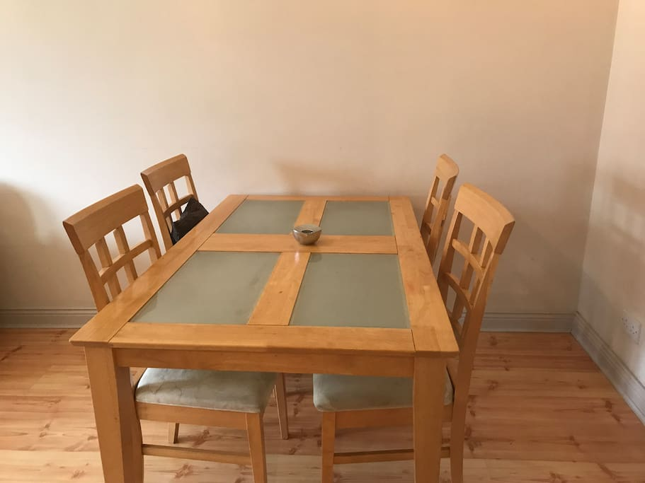 Spacious table for four, breakfast, lunch or dinner