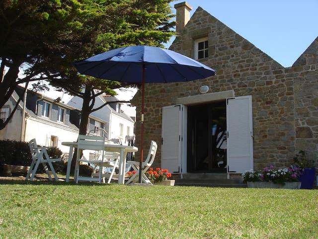 Maison Bretonne typique, située face à la mer - Gâvres