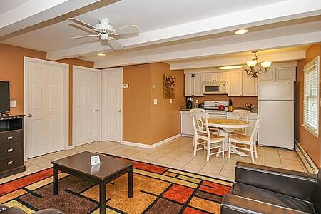 Beach Suite (4BR, 1st Floor) - 씨사이드 하이츠(Seaside Heights)