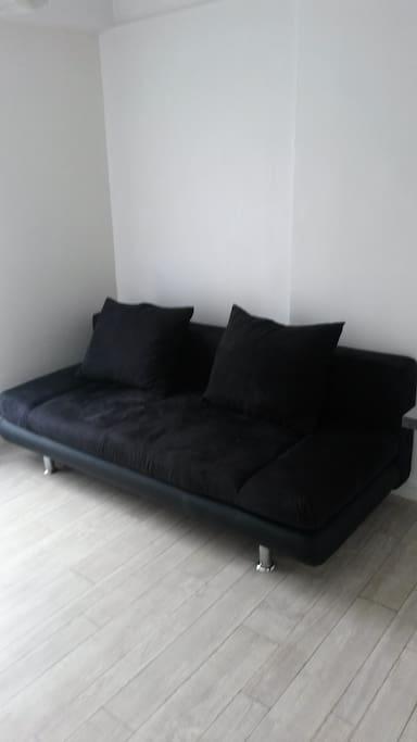 Salon: Canapé convertible 140 cm