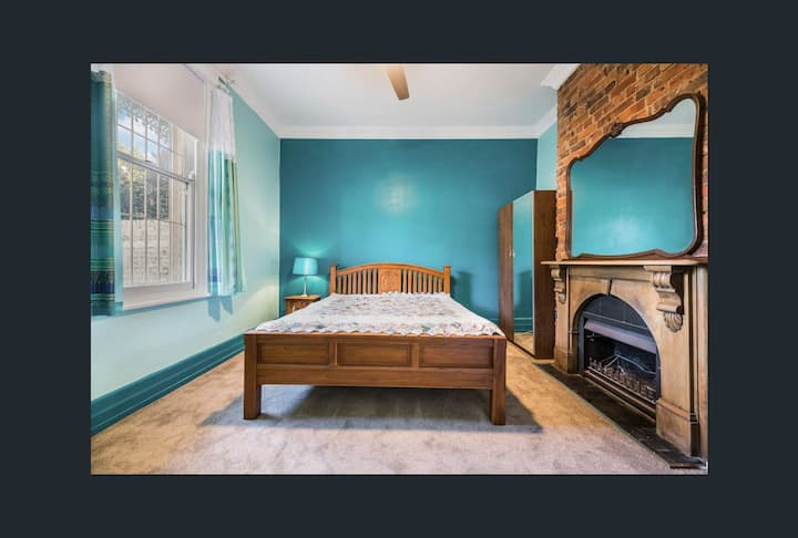 Gorgeous Heritage house in Richmond: Blue Room