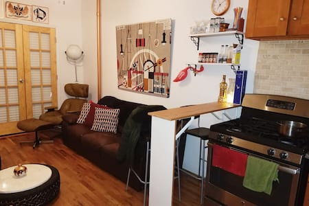 Private Room, In Cozy Apartment +Roof - Greenpoint - Brooklyn - Apartamento