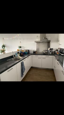 Room in 90m2 flat
