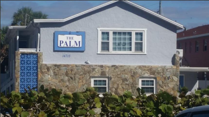3. SUMMER SALE Palm 7 Beach Access is across St.