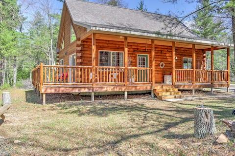 Wausaukee Cabin w/Porch - Near Hiking & ATV Trails