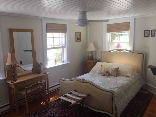 Lovely studio apartment in the heart of old town