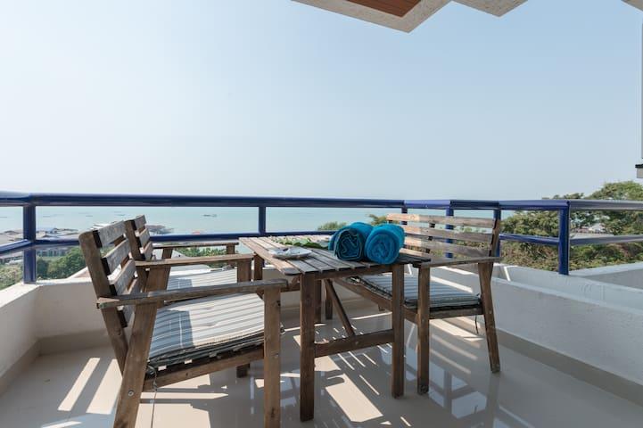 Sea View Sri Raja 2Bedroom 2bath room (Thailand) - Laem Chabang - Selveierleilighet