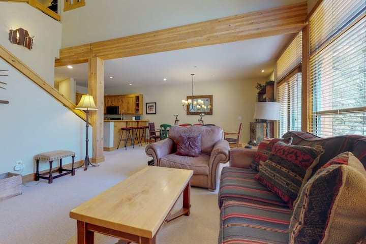 Vaulted Ceilings and open living area