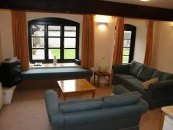 3 bedroom cottage - Sharp Tor