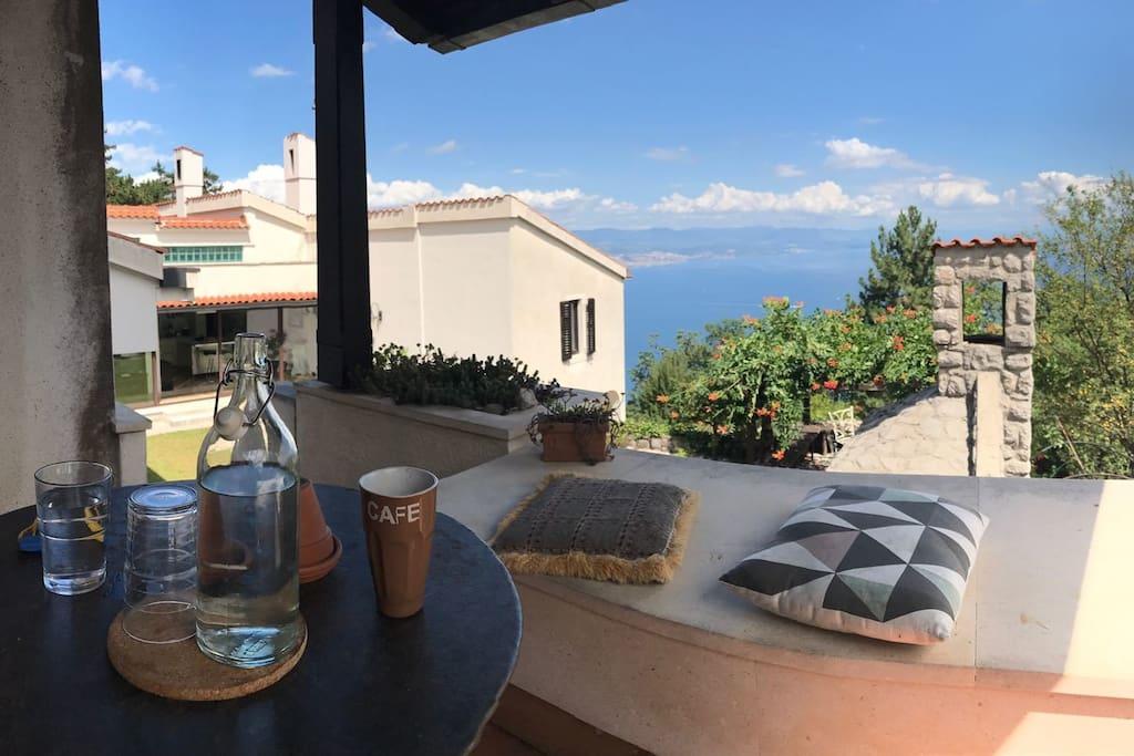 A1(2+1): terrace view
