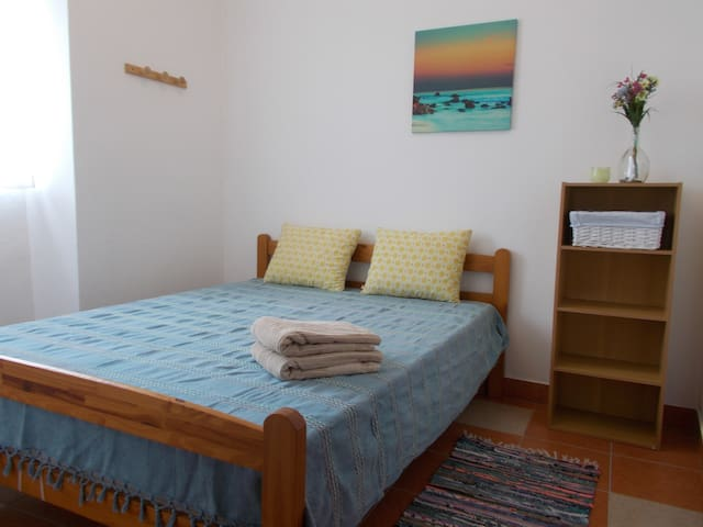 3 Private Bedrooms / Shared House - Rogil, Aljezur - Rogil - Ev