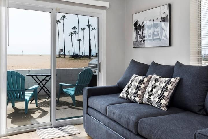 5 Ultimate beach cottage! Surf, bike, eat, enjoy!