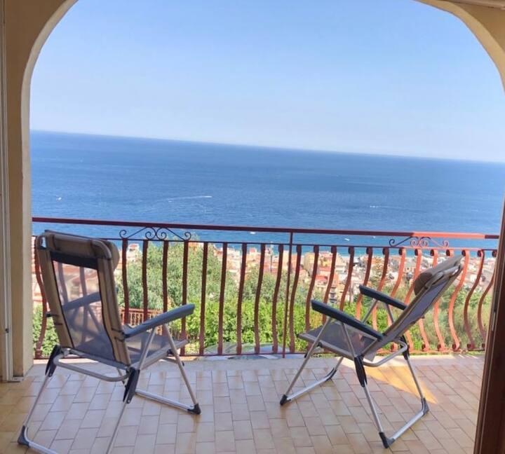 Appartement avec terrasse donnant sur la mer