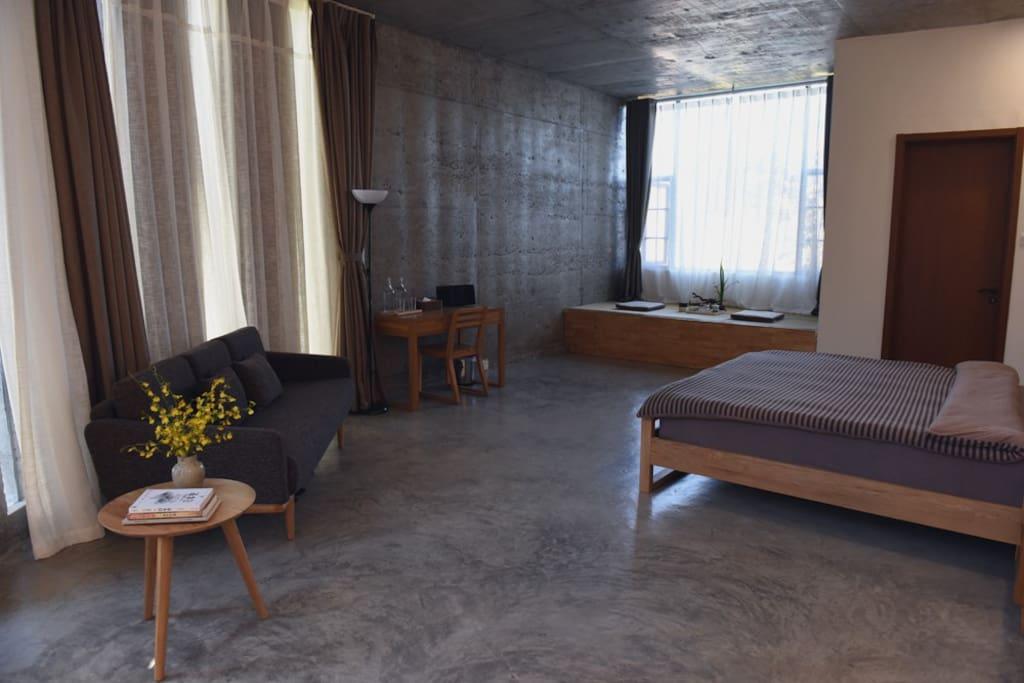 客房区设有大小客房共11间,房间内均提供庄园精选普洱茶,供您自由品茗休憩。
