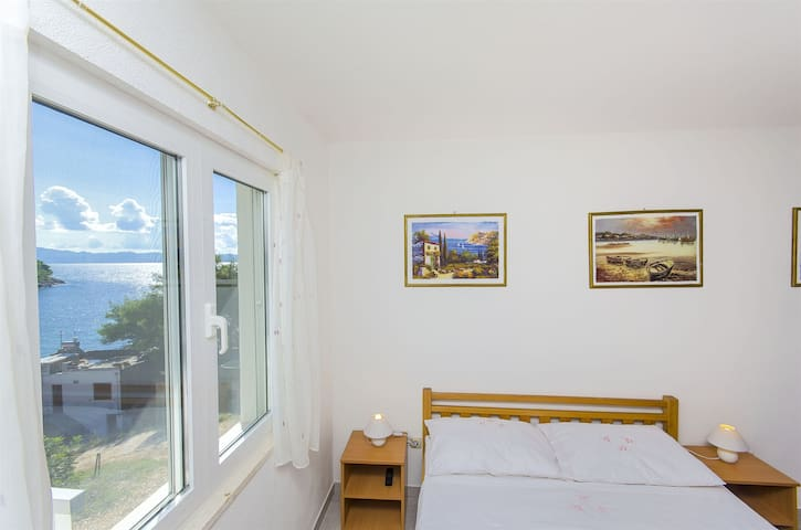 Two Bedroom Apartment, beachfront in Bogomolje, Terrace