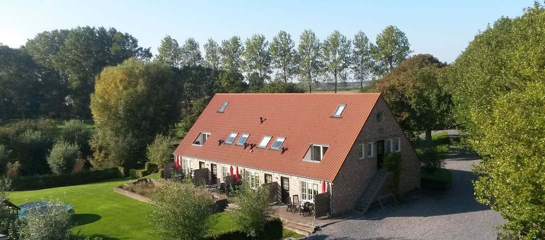 Accommodatie in herbouwde boerenschuur